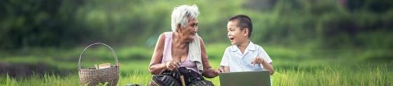 Grossmutter und Kind in Verbindung
